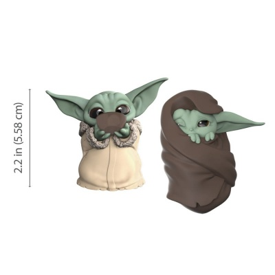 Star Wars Mandalorian Bounty Collection Figure 2-Pack The Child Sipping Soup & Blanket-Wrapped